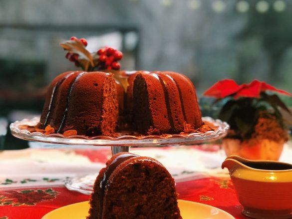 Bundt Cake navideño con sirope de caramelo y crema de orujo